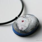 naszyjnik ze szczurem